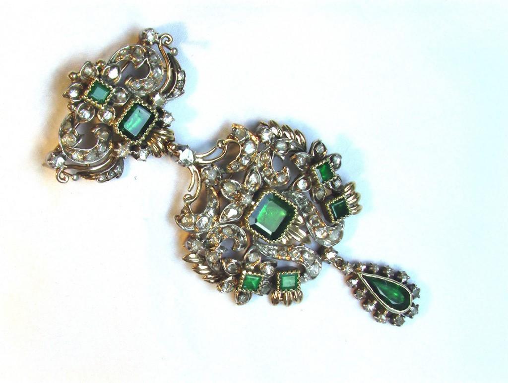 БРОШЬ КУЛОН золото 750 изумруды бриллианты (Россия?)