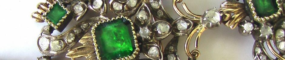 брошь с изумрудами и бриллиантами