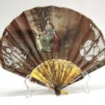 продажа антиквариата веер старинный основание черепаховое полихромная роспись на сукне начало 20 века