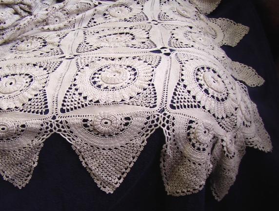 Фантастичекое вязаное покрывало объемное отличное качество 3 м