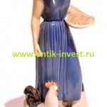 девушка девочка кормит кур Дания высота 24 см