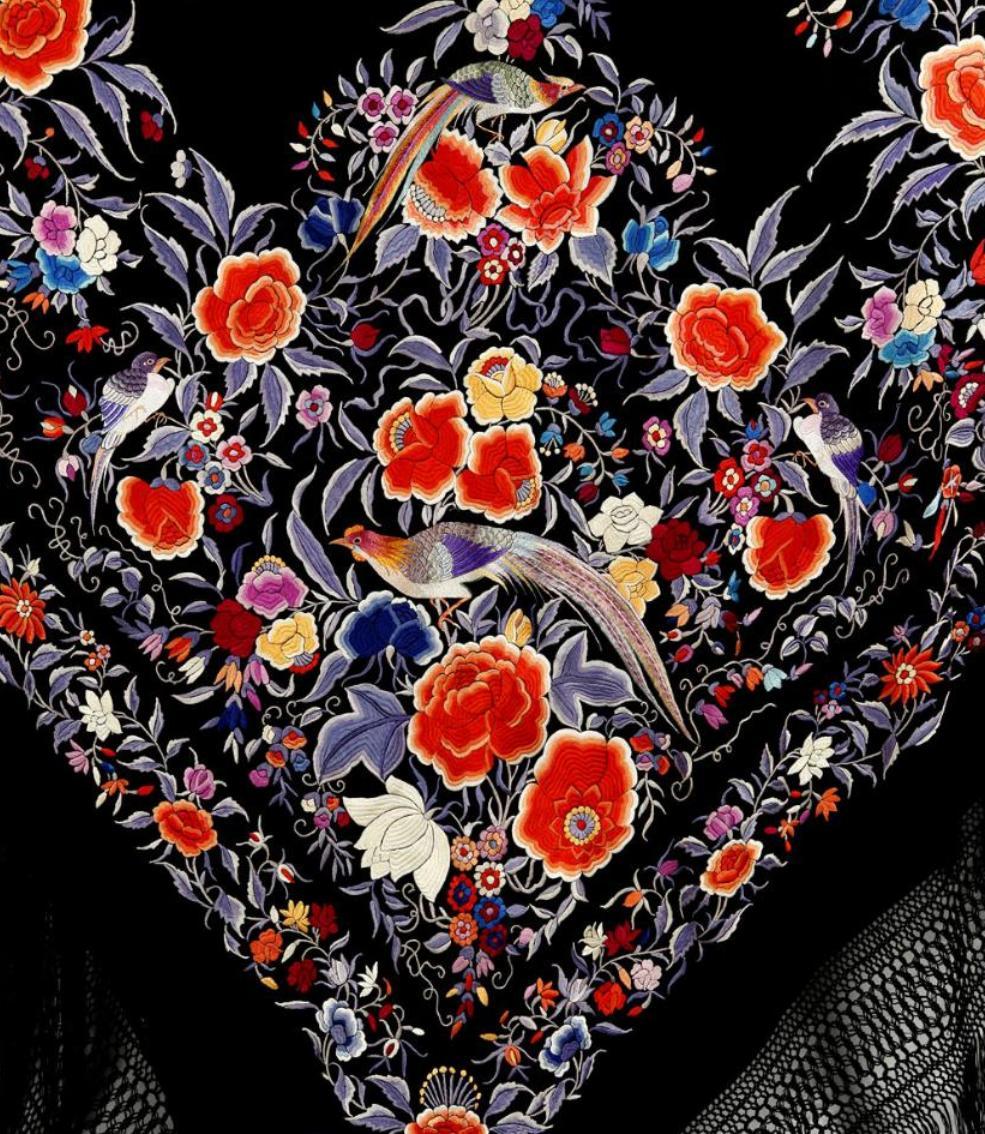 испанская шелковая шаль с двухсторонней вышивкой гладью птицы