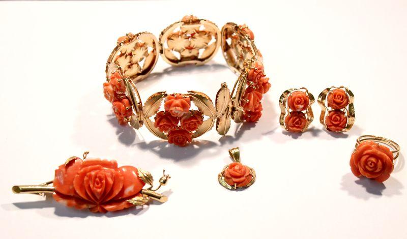 комплект парюр золотой с кораллами роза старт 1870 евро