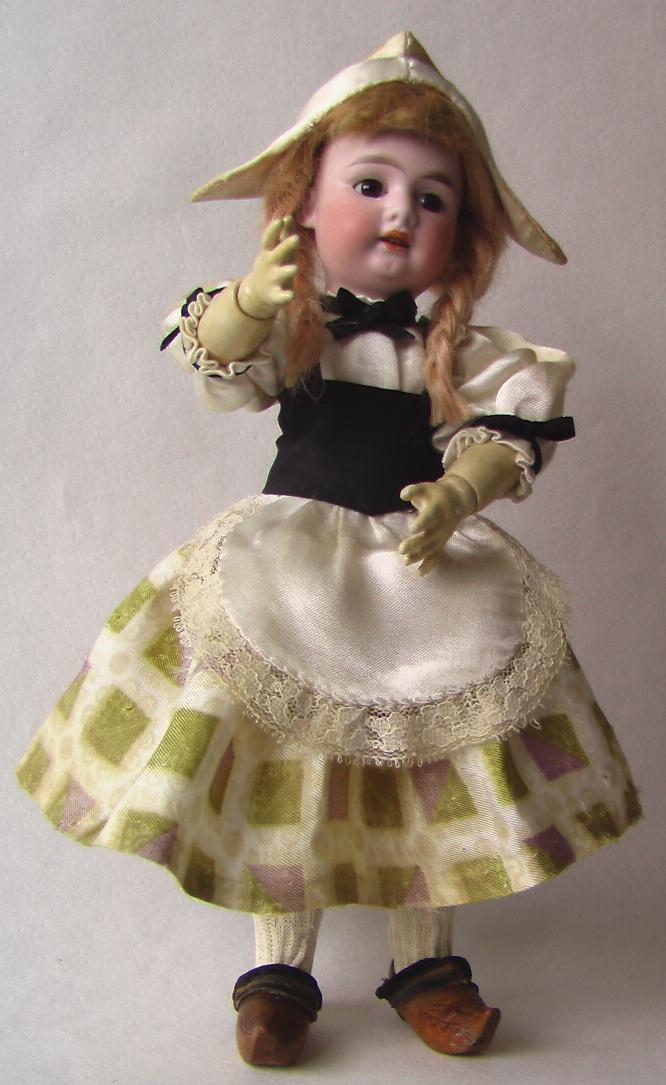 купить куклу в костюме