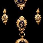 золотой комплект с эмалью и бриллиантами Франция 19 век в родной коробке интернет аукцион торги