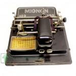 печатная машинка 1920-ые годы бакелит ролики родная коробка старт 250 евро