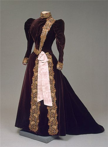 платье с муаровой лентой 1880 - 1900 годы
