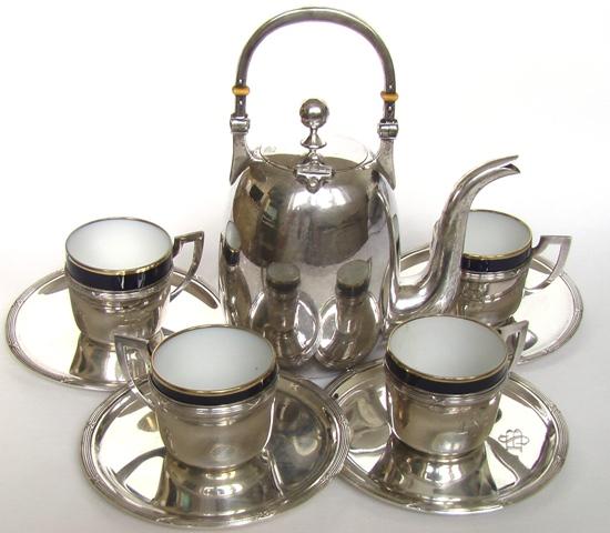 СЕРВИЗ СЕРЕБРЯНЫЙ АРТ-ДЕКО МОДЕРН чайник и чашки, нажмите на картинку для подробностей