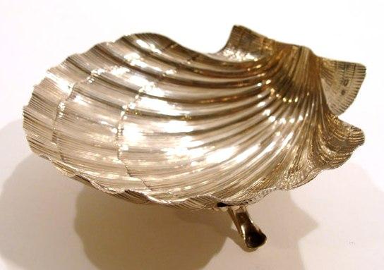 серебряная икорница Ракушка вес 70 гр 12 на 14 см