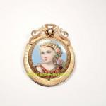старинная золотая брошь с миниатюрным портретом дианы охотницы 18 карат эмаль жемчуг