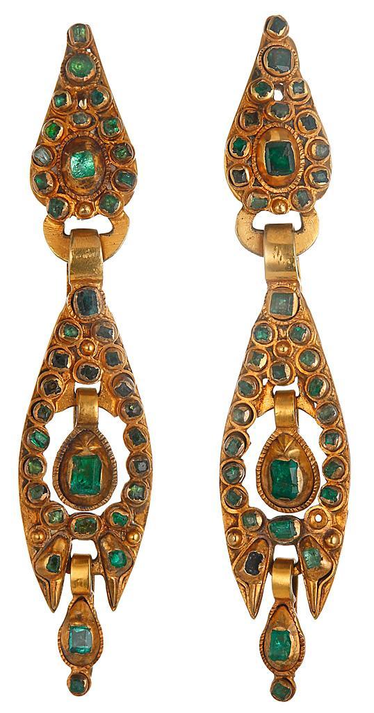 старинные золотые серьги с изумрудами 19 век Испания