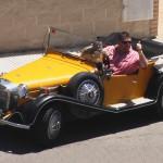 старинный автомобиль ретро машина