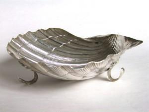 продажа антиквариата купить антиквариат устричница серебряная ракушка икорница