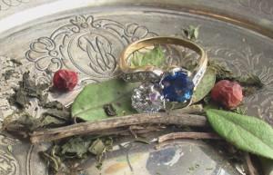 как и чем чистить золото и золотые ювелирные украшения с камнями в домашних условиях