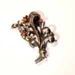 брошь серебряная с золотом 18К кораллы барселона 1930-ые года