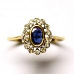 золотое 18К кольцо Малинка с сапфиром и бриллиантами в белом золоте старт 450 евро