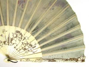 старинный испанский веер кость цветы резьба