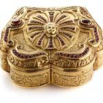 таблеточница золотая середина 20 века с рубинами и гранатами