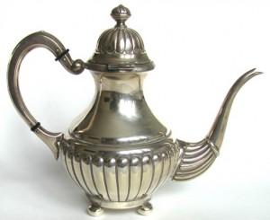 чайник старинный из серебра клейма