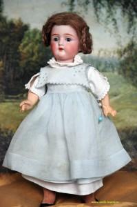купить фарфоровую антикварную старинную куклу