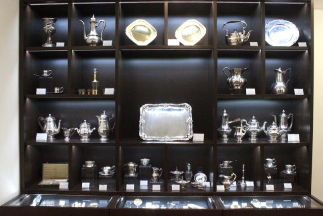где в Москве купить серебро в подарок